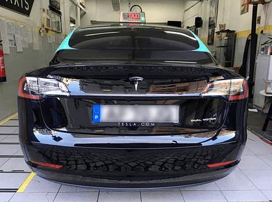 Montagem Tesla